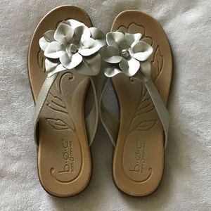 NEW Born Concept Sandals Size 8
